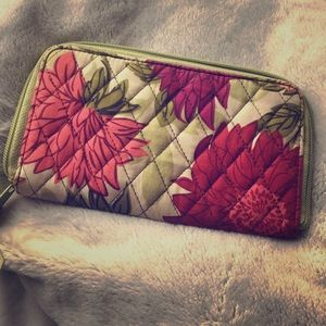 Vera Bradley dahlia wallet